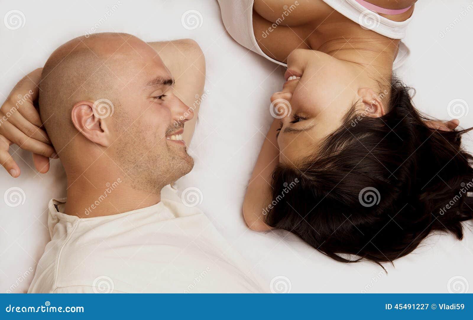 画象愉快的夫妇
