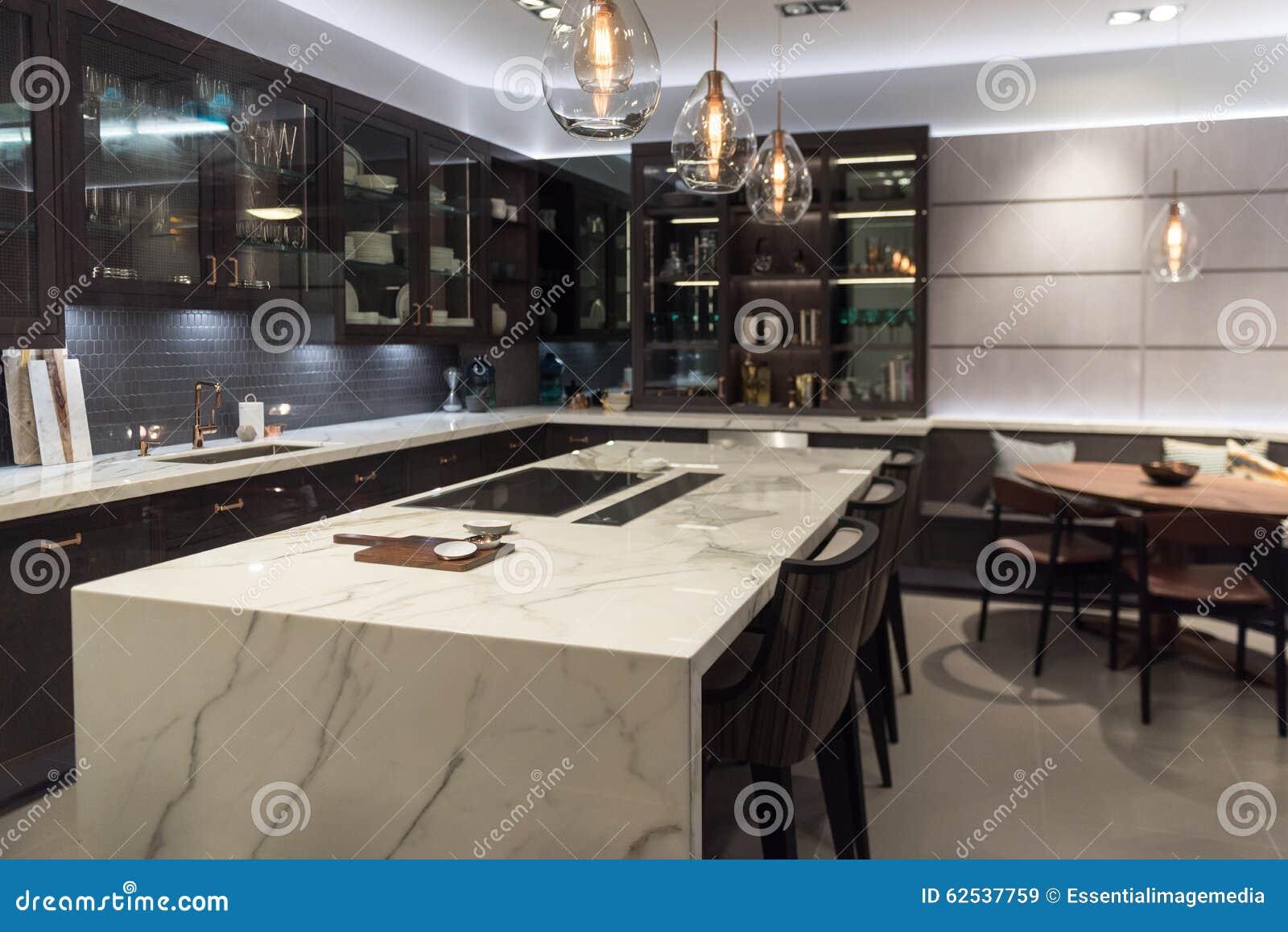 豪华大理石顶面厨房