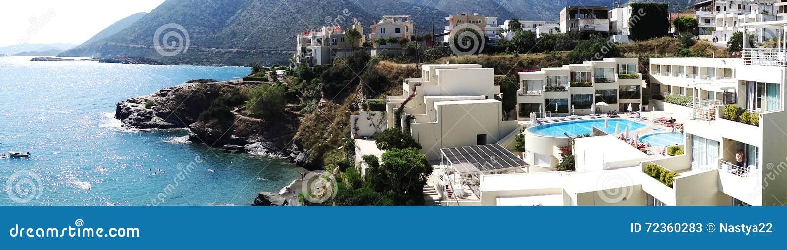 豪华旅馆大厦阳台和大阳台希腊
