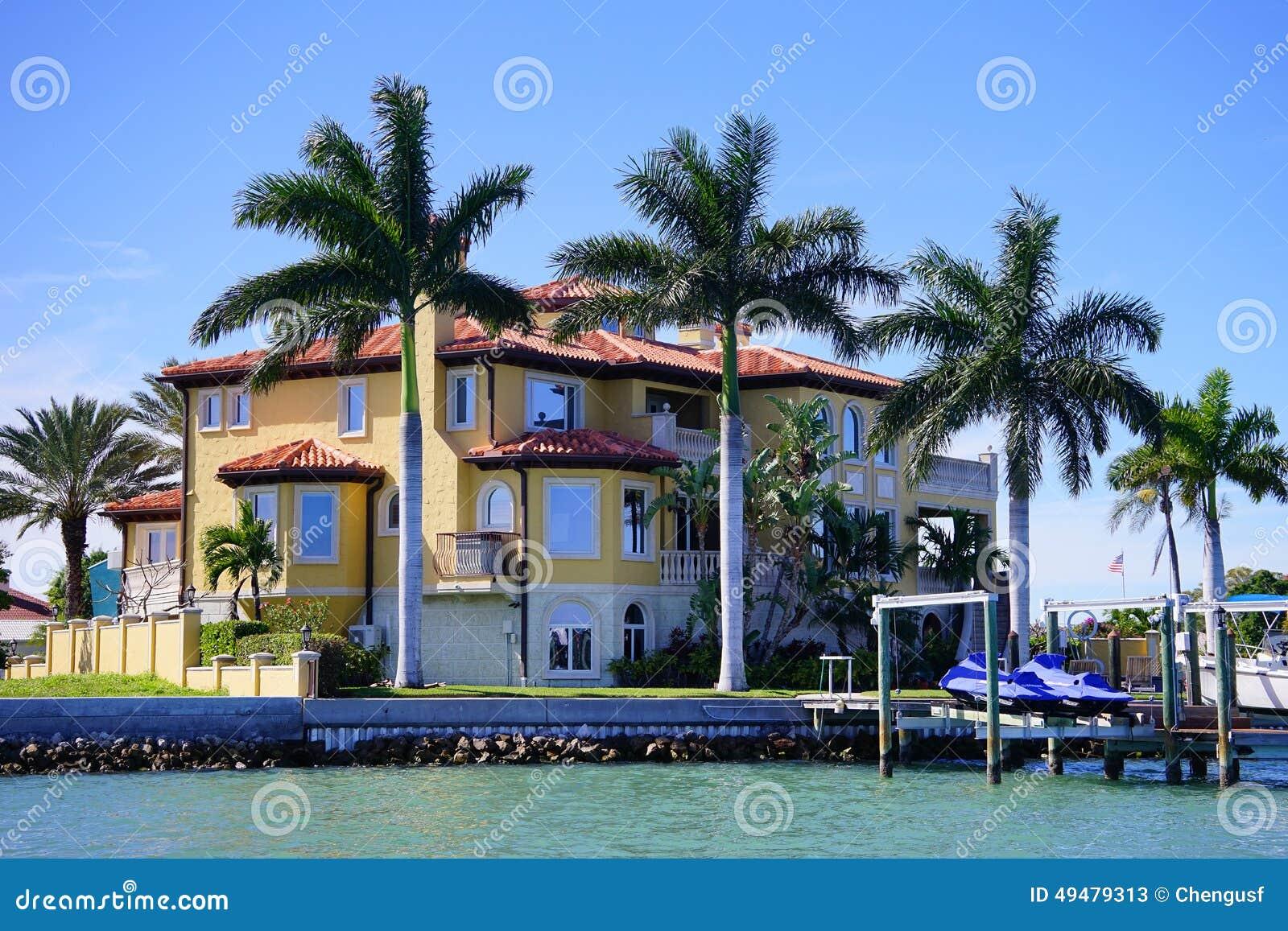 a别墅海滨别墅全景有小船船坞的在坦帕湾,佛罗里达.黄山桃花源别墅二期图片
