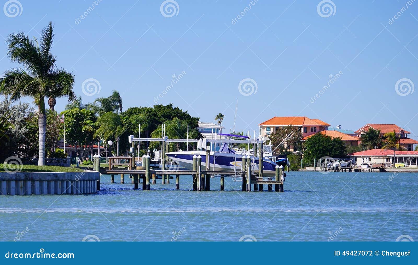 a别墅海滨别墅全景在坦帕湾,佛罗里达.v别墅广州别墅项目图片