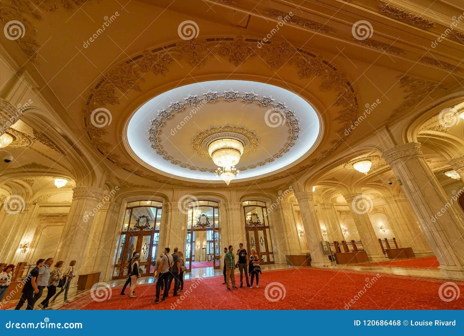 豪华装饰和大理石齐奥塞斯库宫殿的