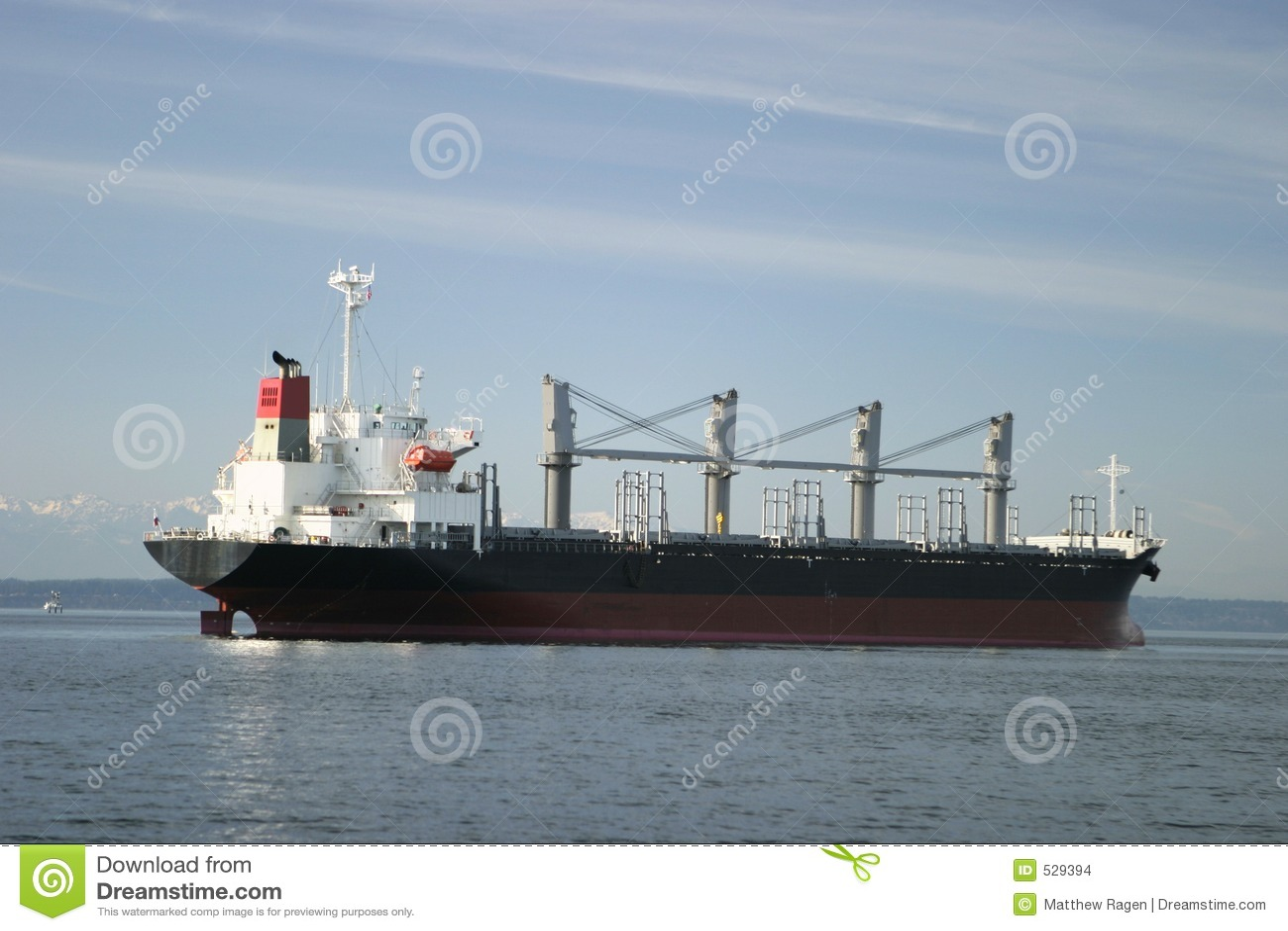 Download 货物货轮 库存照片. 图片 包括有 货轮, 货物, 运输, 贸易商, 商业, 发运, 超结构, 船尾, 小船 - 529394