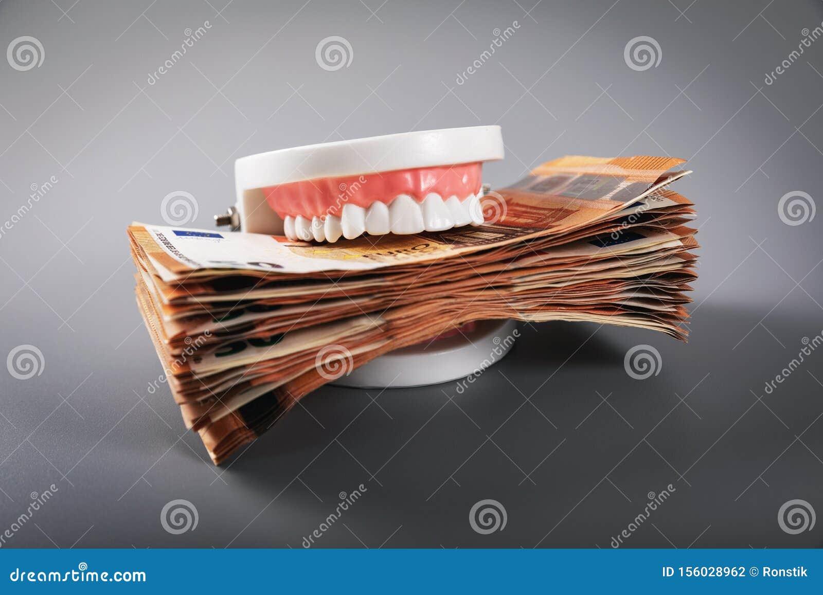 贪吃概念-牙塑造吃欧元金融法案
