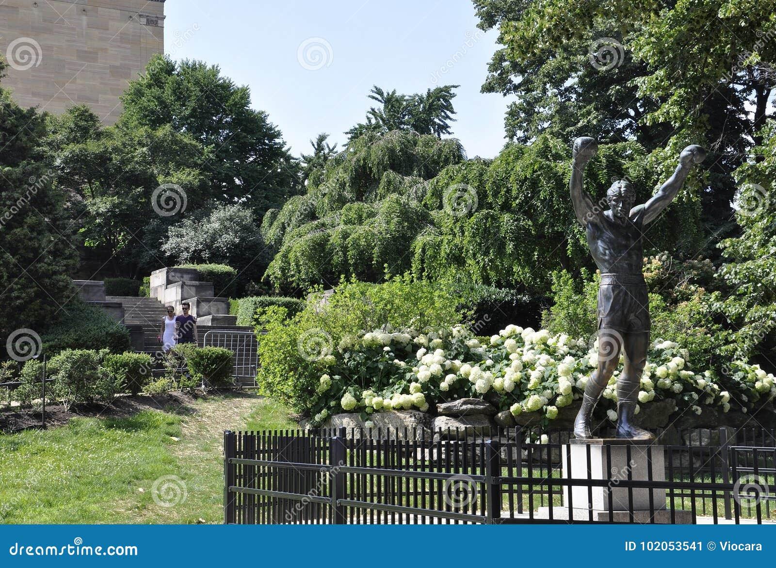 费城, PA, 7月3日:从费城的岩石雕象在宾夕法尼亚美国