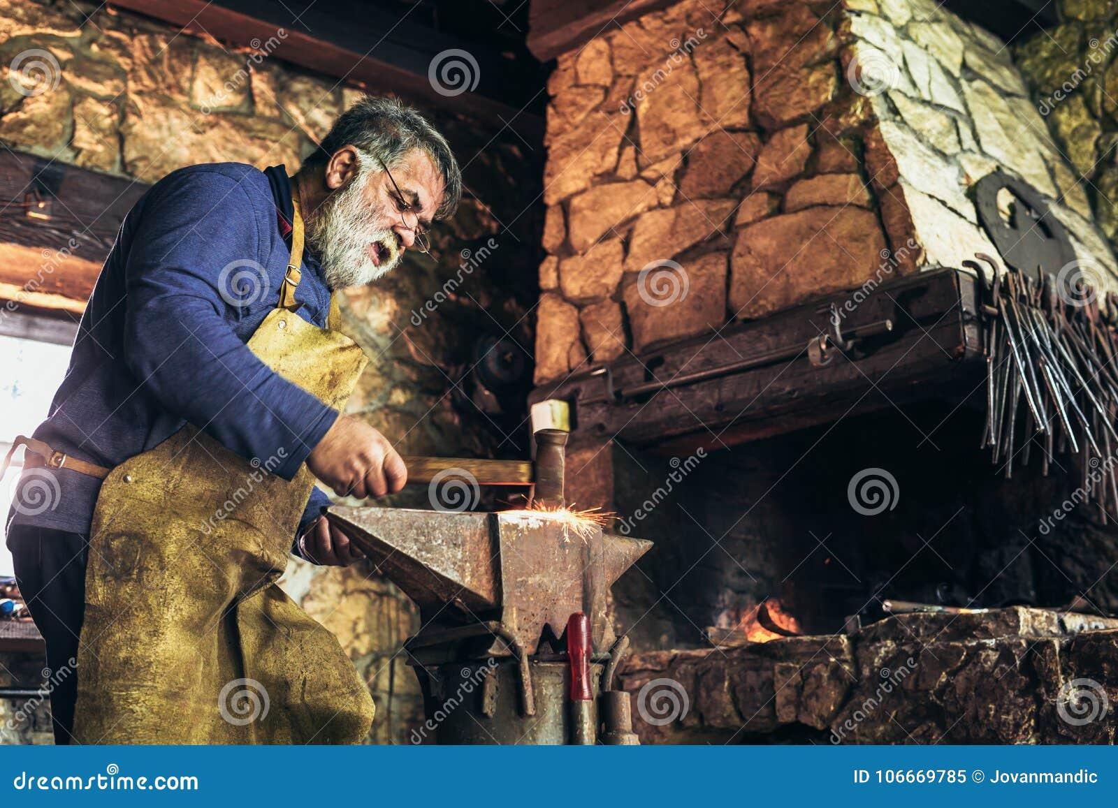 资深铁匠伪造铁