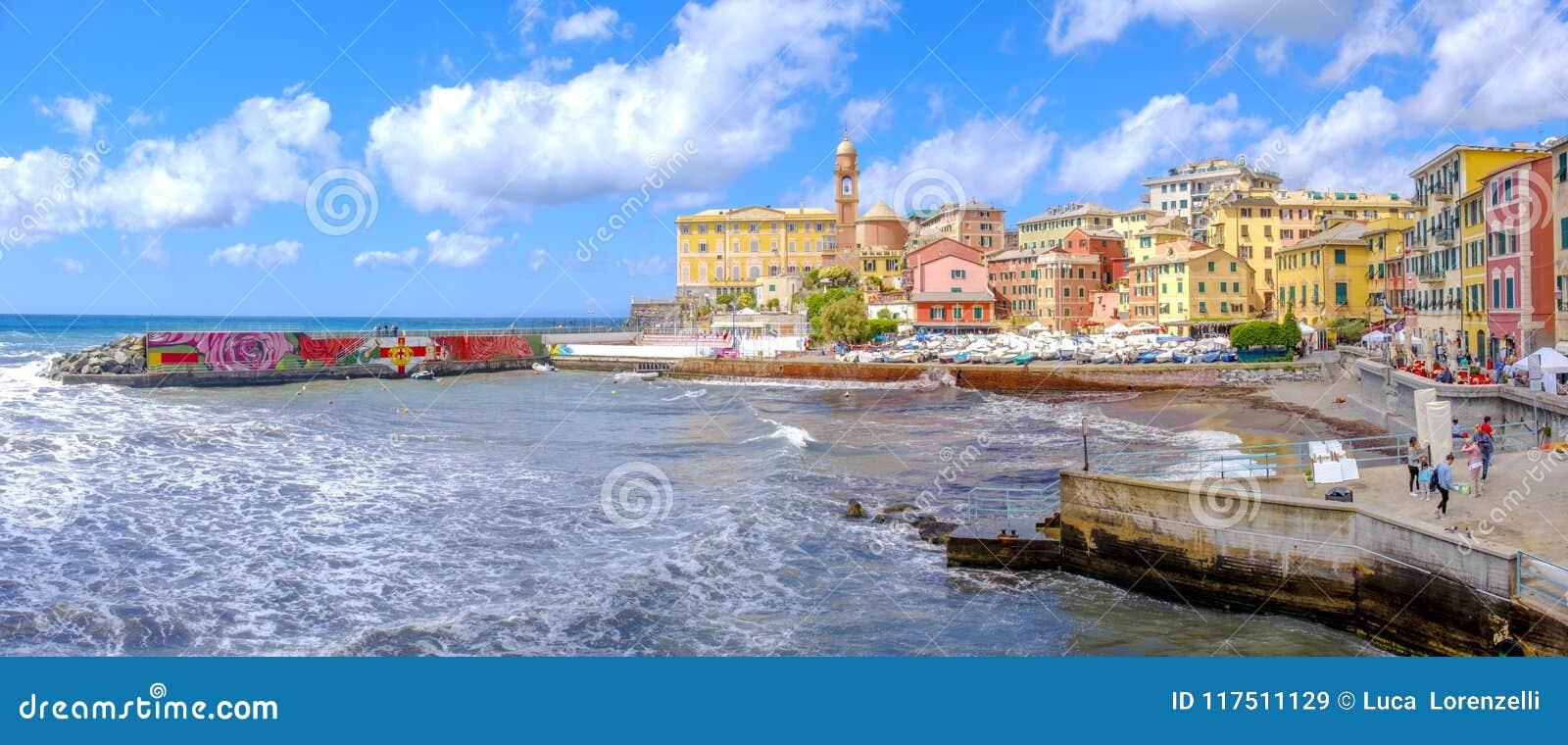 赫诺瓦Nervi Porticciolo -利古里亚市五颜六色的意大利人里维埃拉风景-意大利