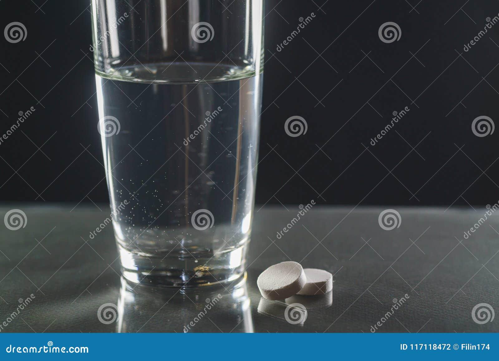 起泡冒泡片剂水