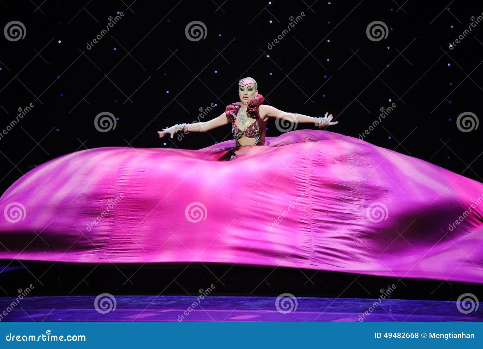 超级大裙子印度记忆这奥地利的世界舞蹈