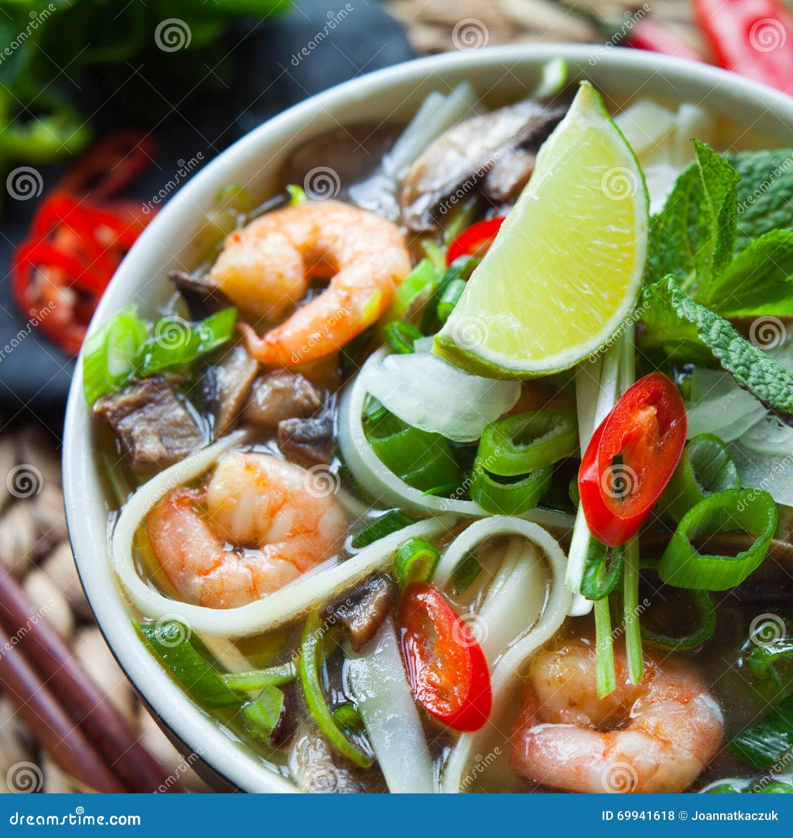越南pho汤姆虾大虾汤