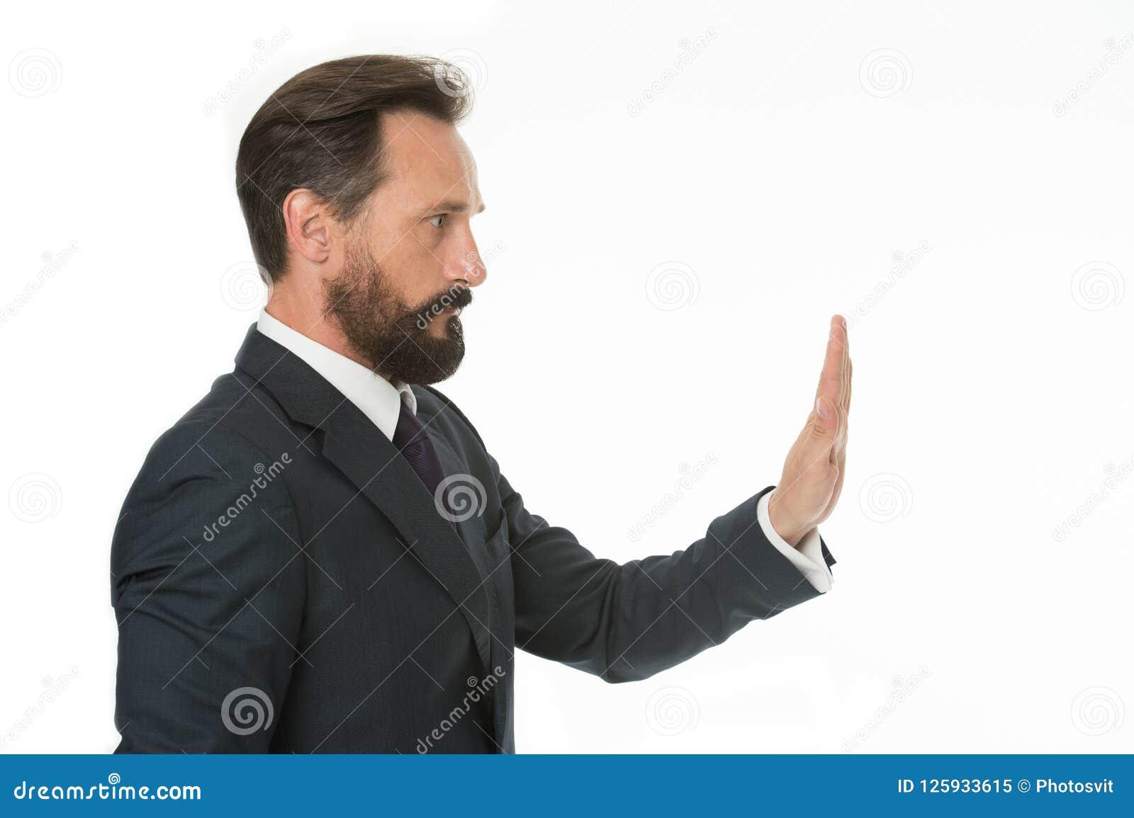 足够容忍的不能接受的行为 举行 人在白色显示手棕榈姿态停止隔绝 有胡子的人