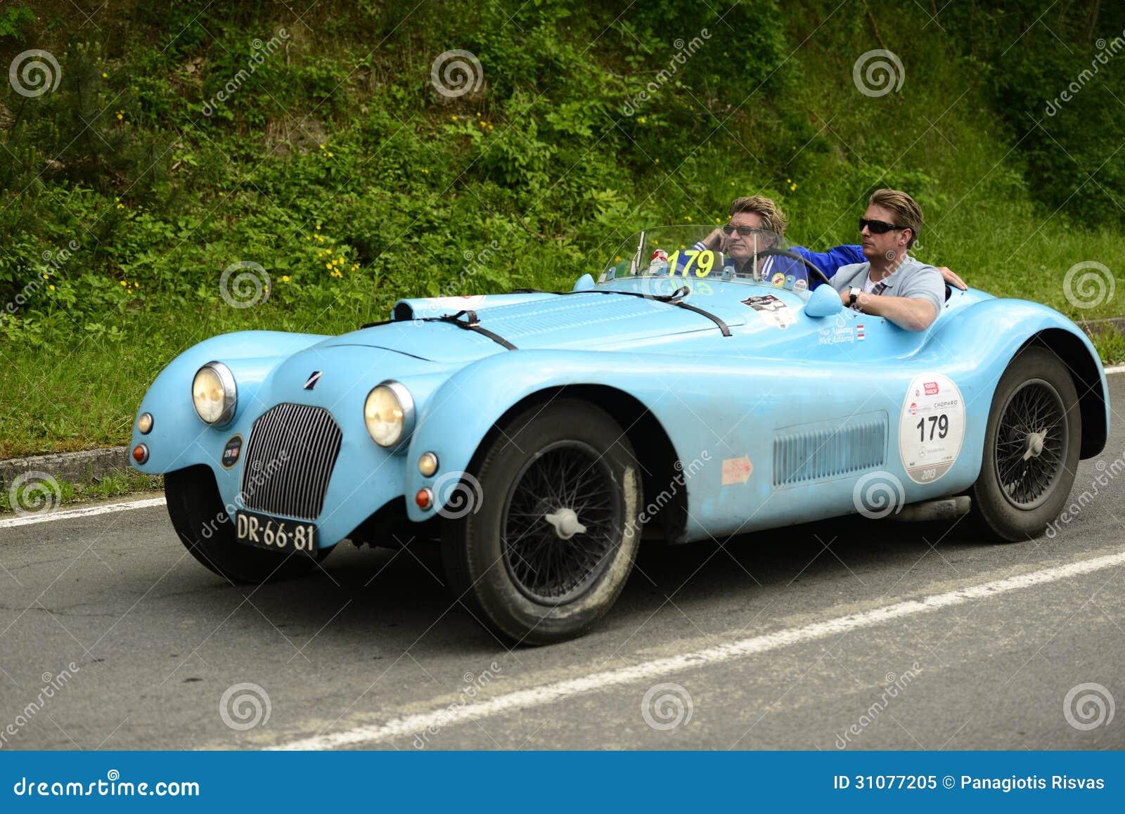 跑在Mille Miglia种族的Talbot Lago蜘蛛
