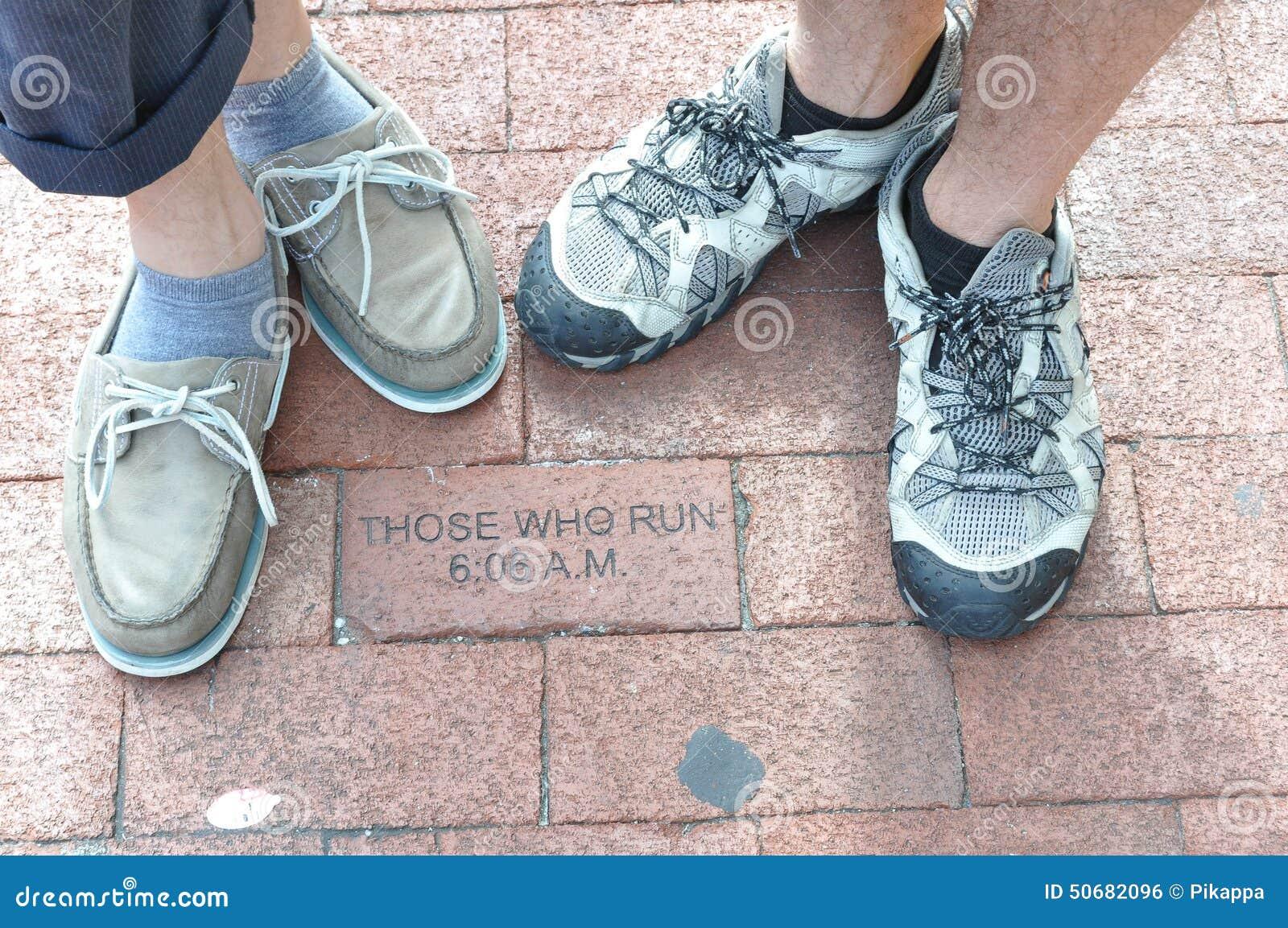 Download 跑的那些人 库存照片. 图片 包括有 英尺, 袜子, 马里兰, 运行, annapurna, 那些, 鞋子 - 50682096