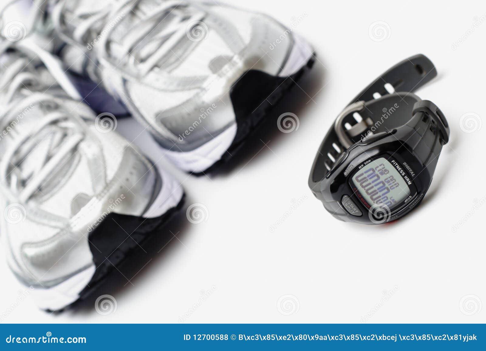 跑鞋体育运动手表