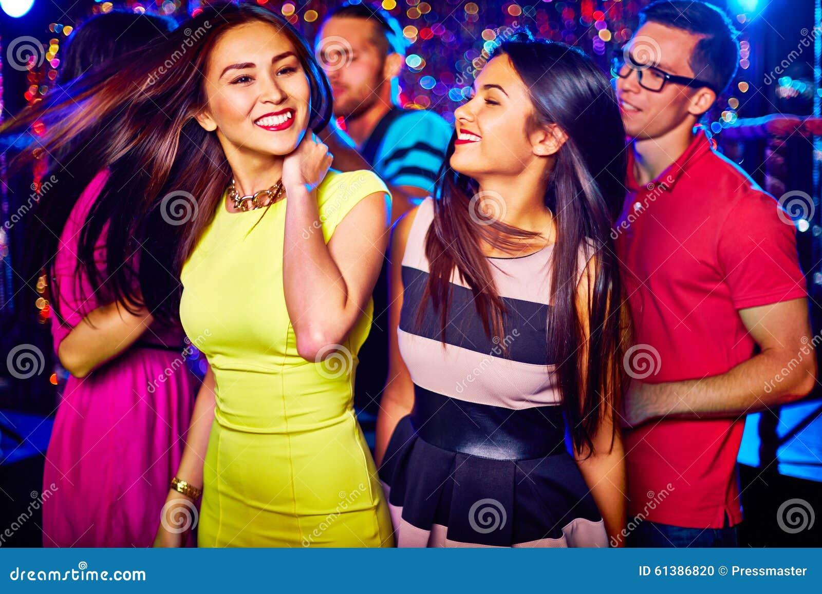 跳舞的装饰设计女孩图象例证向量