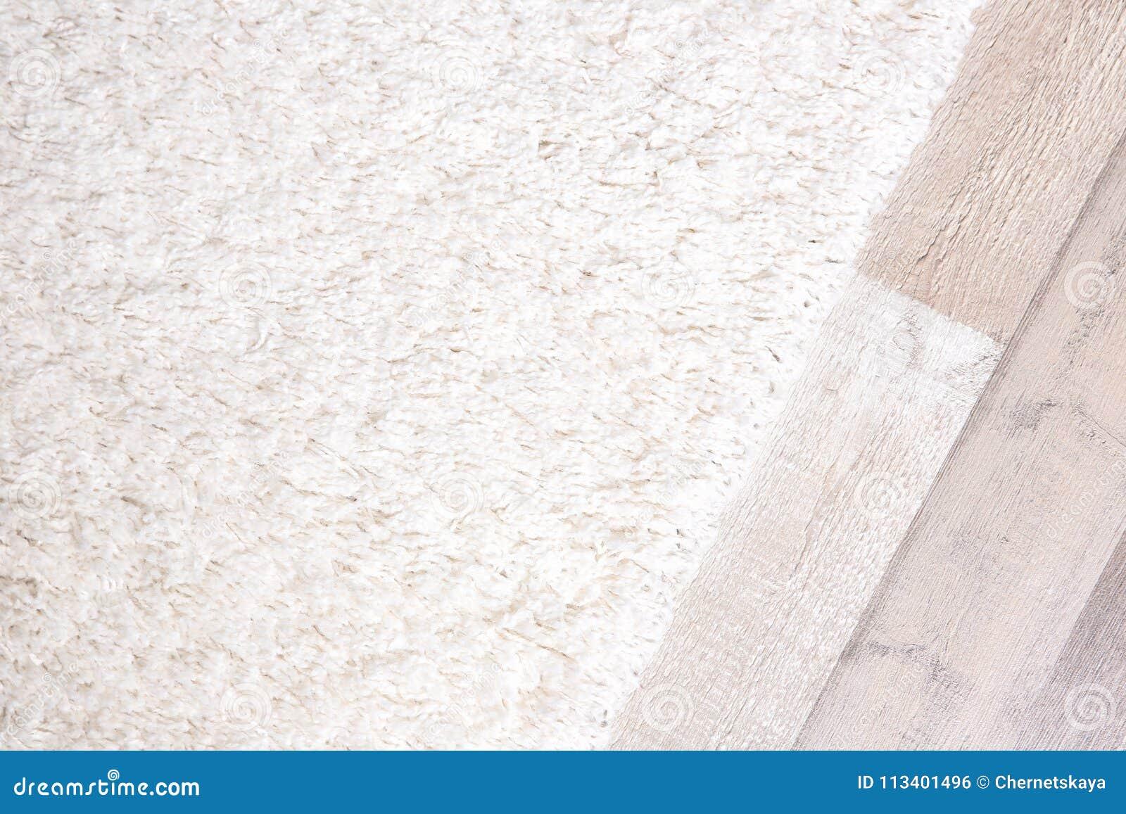 轻的软的地毯