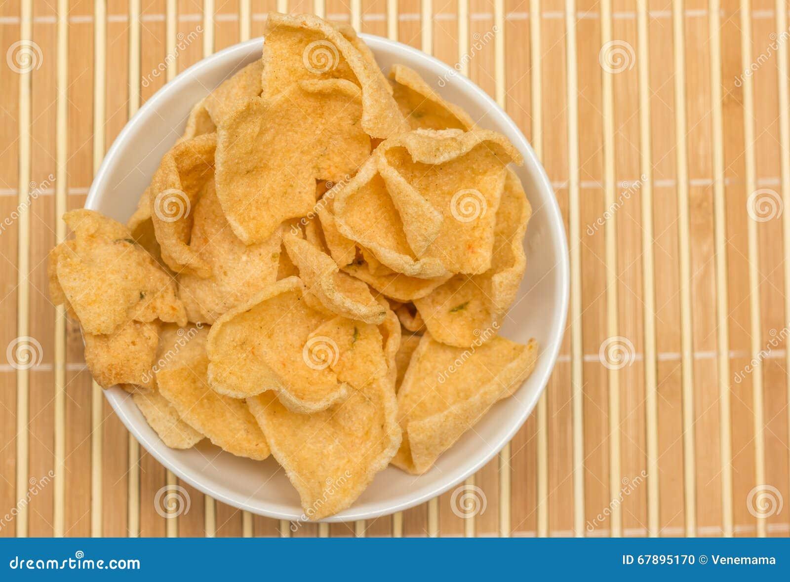 辣印度尼西亚cassave薄脆饼干