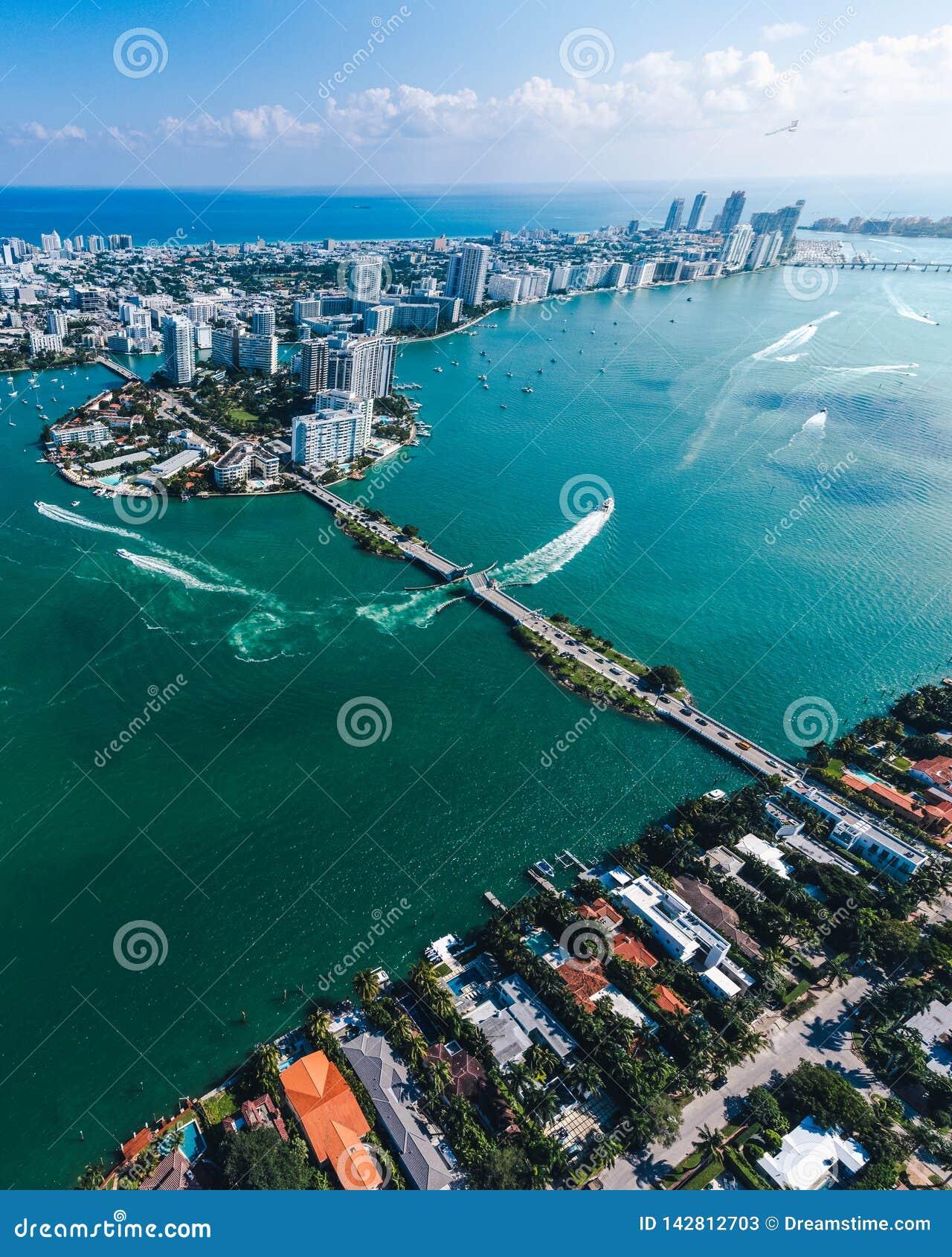 迈阿密海岛鸟瞰图在一好日子
