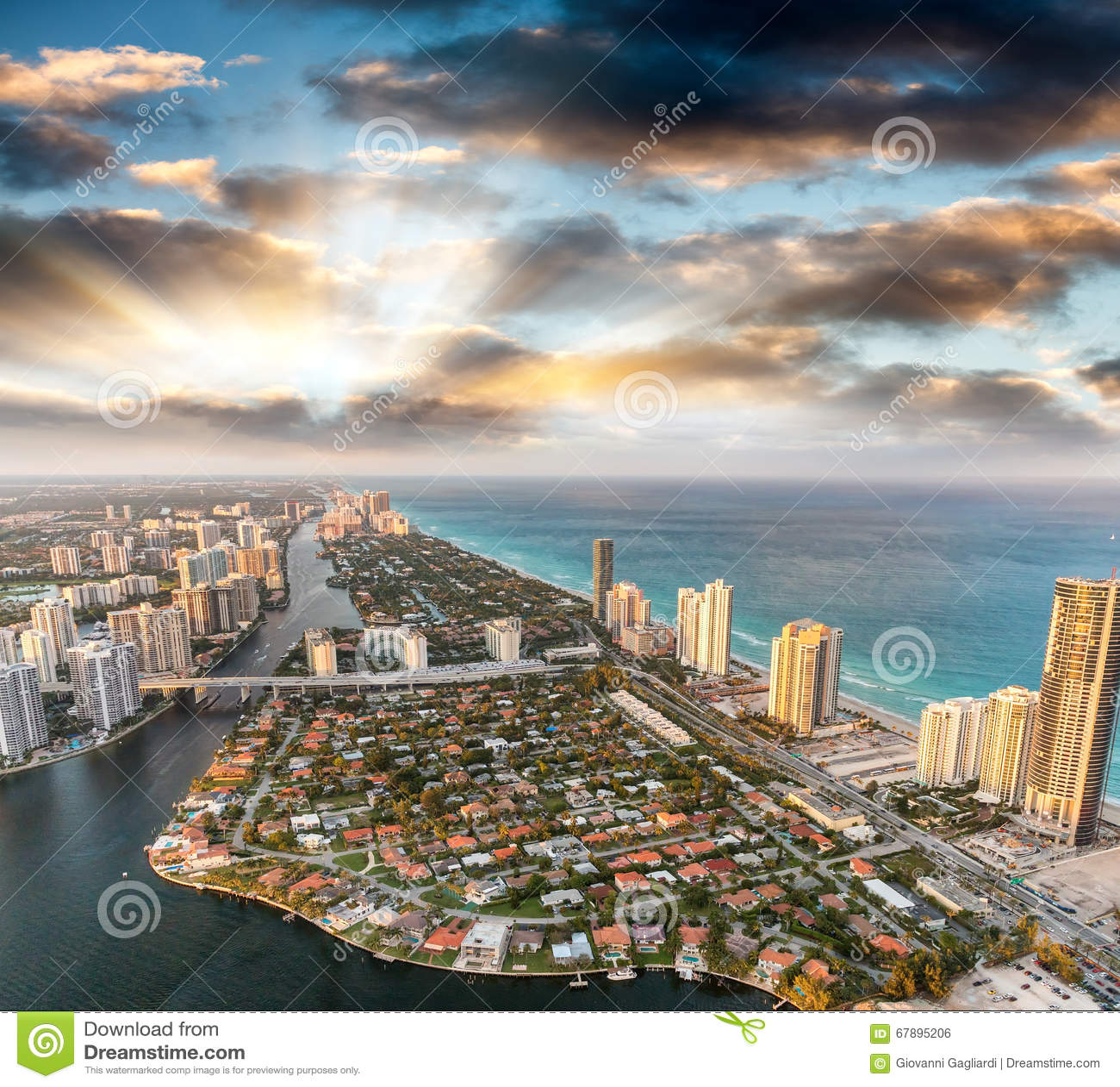 迈阿密海滩如被看见从直升机