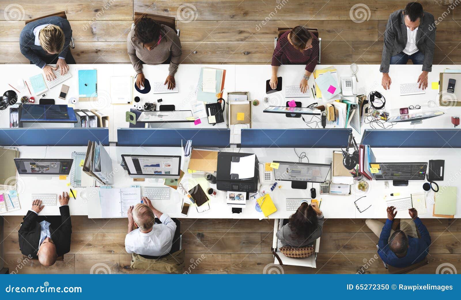 运作公司队概念的商人办公室