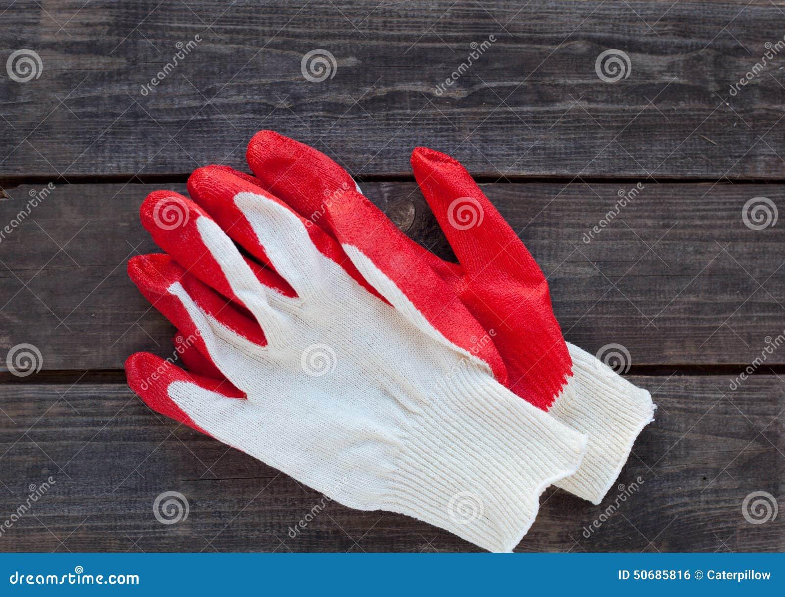 Download 运作的手套准备好在土气木头 库存照片. 图片 包括有 职业, 庭院, 背包, 详细资料, 红色, 皮肤, 材料 - 50685816