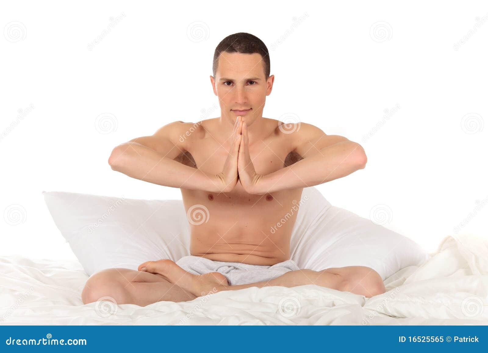 运动员健身男瑜伽