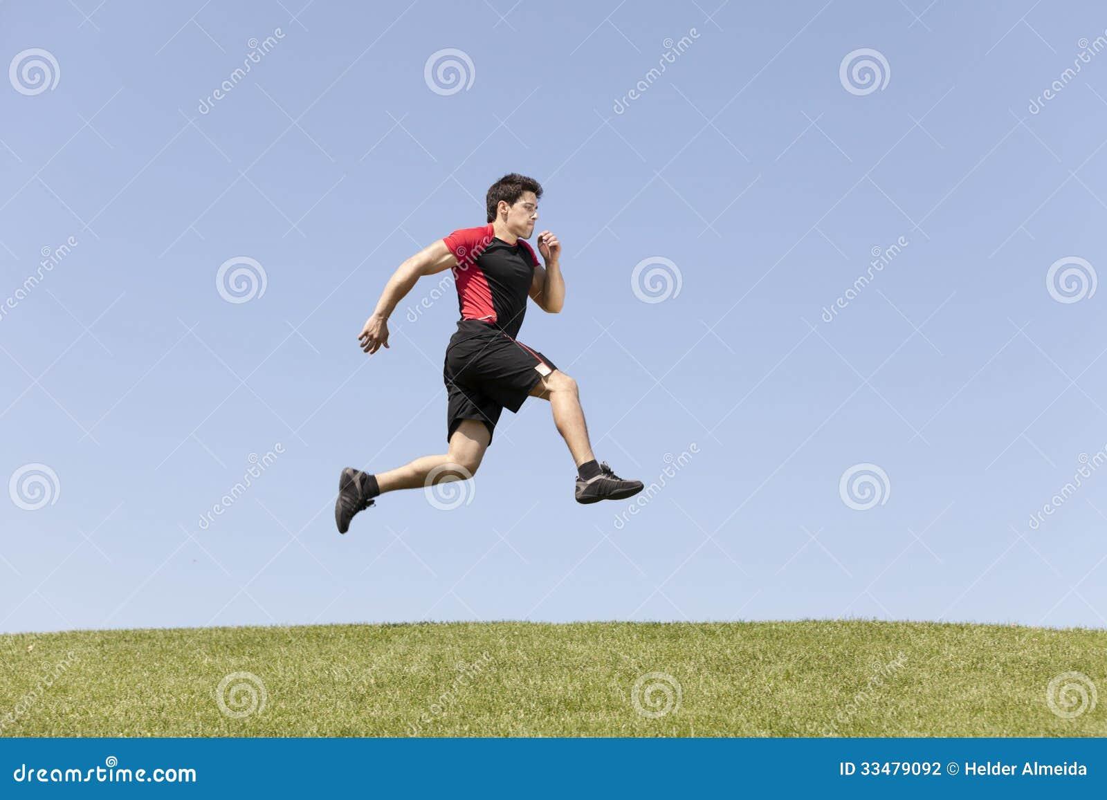 运动员男性赛跑