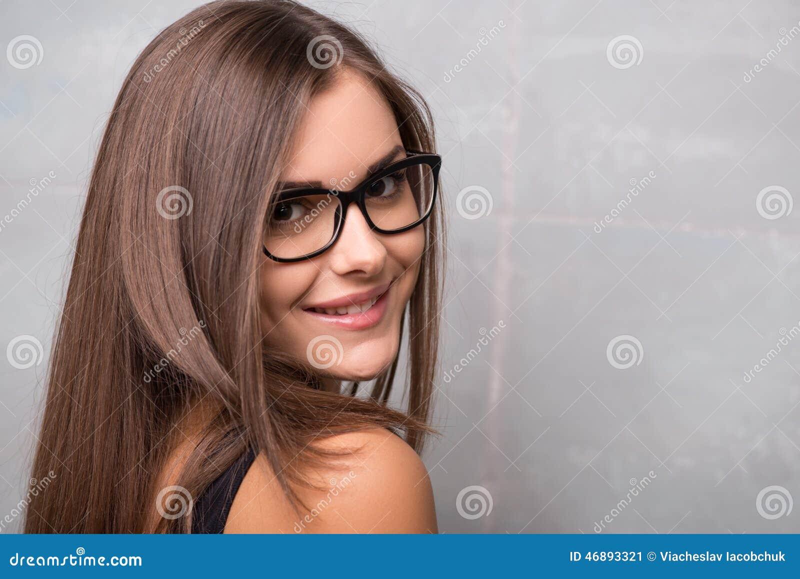 运动年轻性感的女孩图片