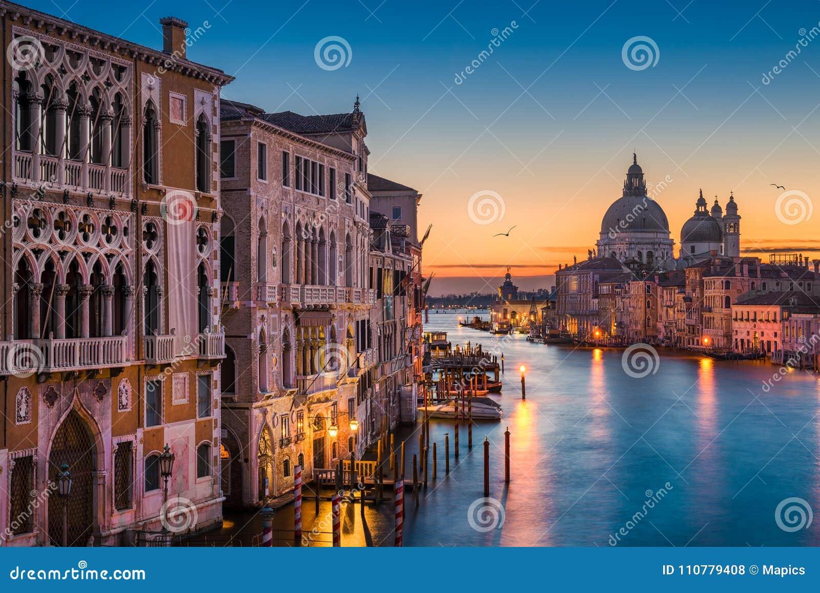 运河全部晚上威尼斯