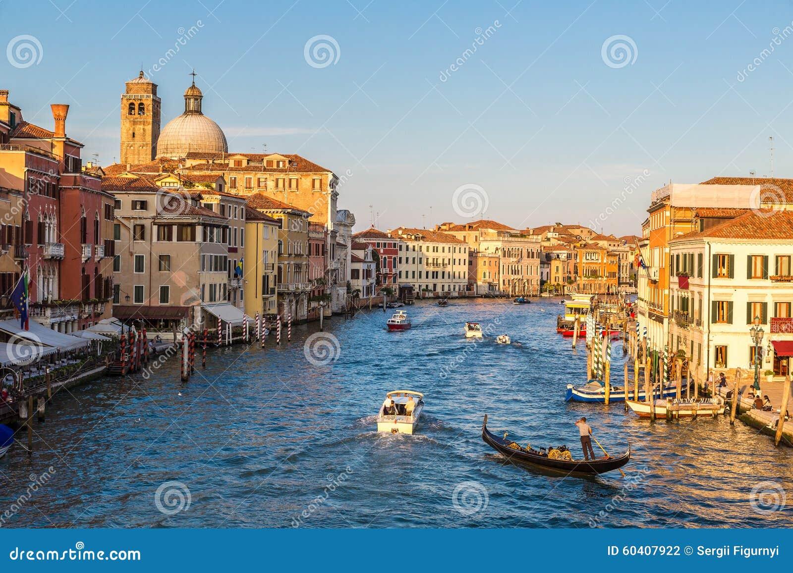 运河重创的意大利威尼斯