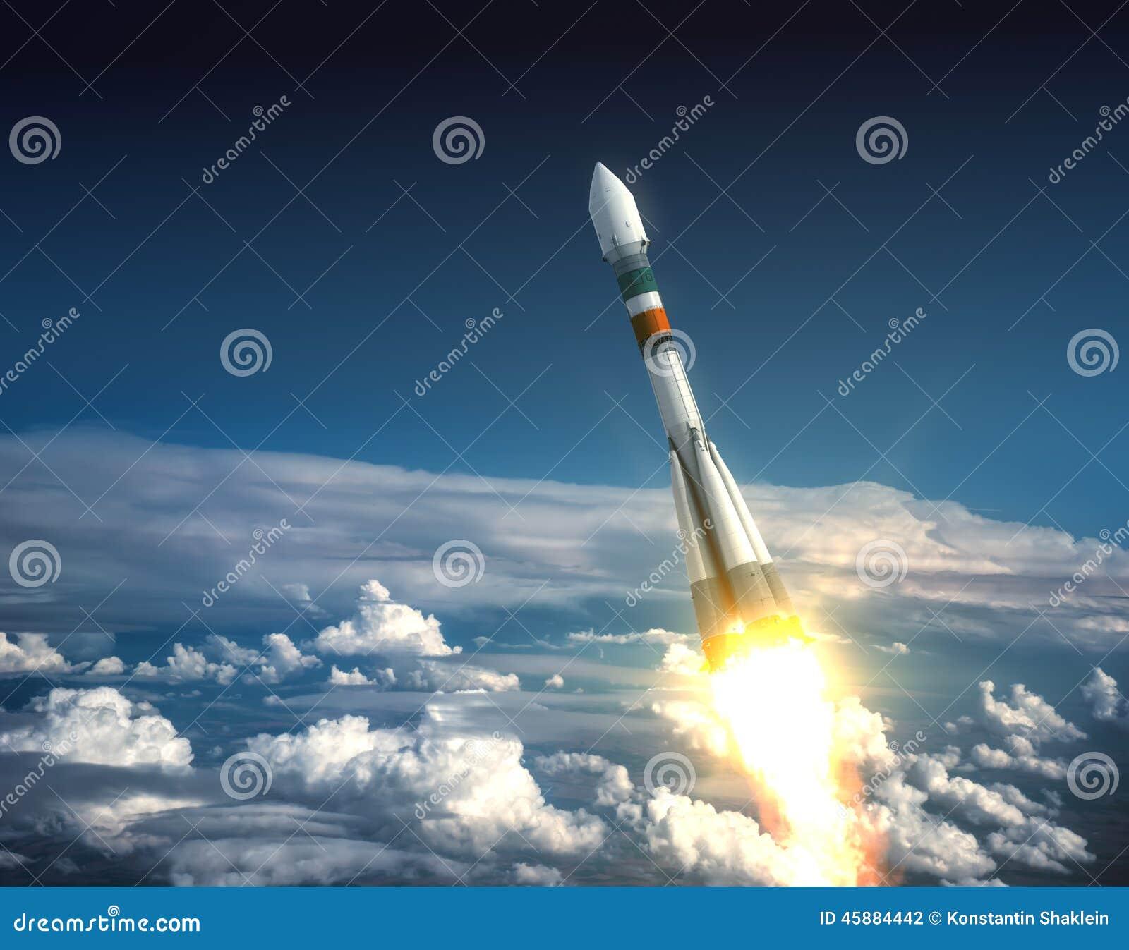 运载火箭离开
