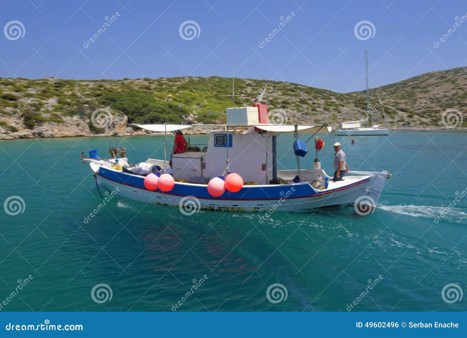临近Levitha海岛的渔夫