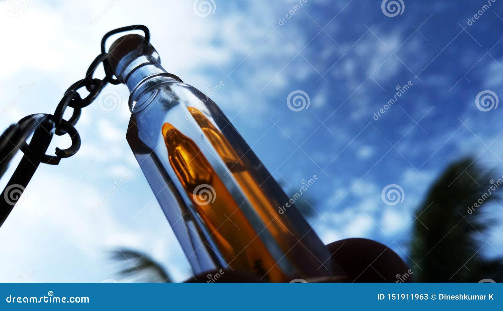 这样一个美丽的玻璃瓶有超级自然本底