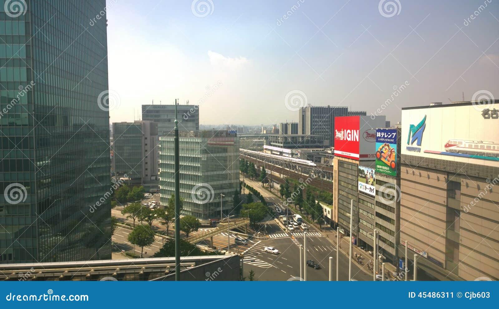 进入名古屋市的名古屋站地区高速火车看法