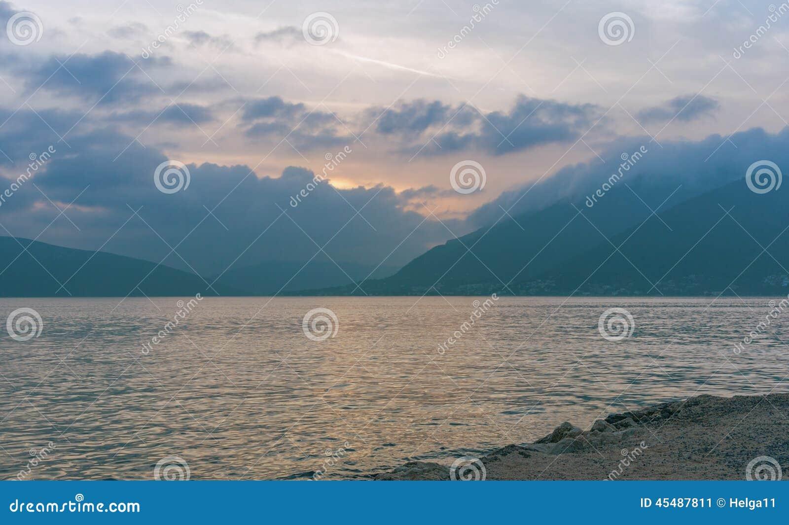 远离 海湾kotor montenegro