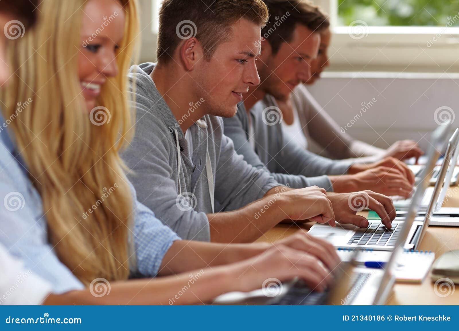 选件类膝上型计算机学员使用