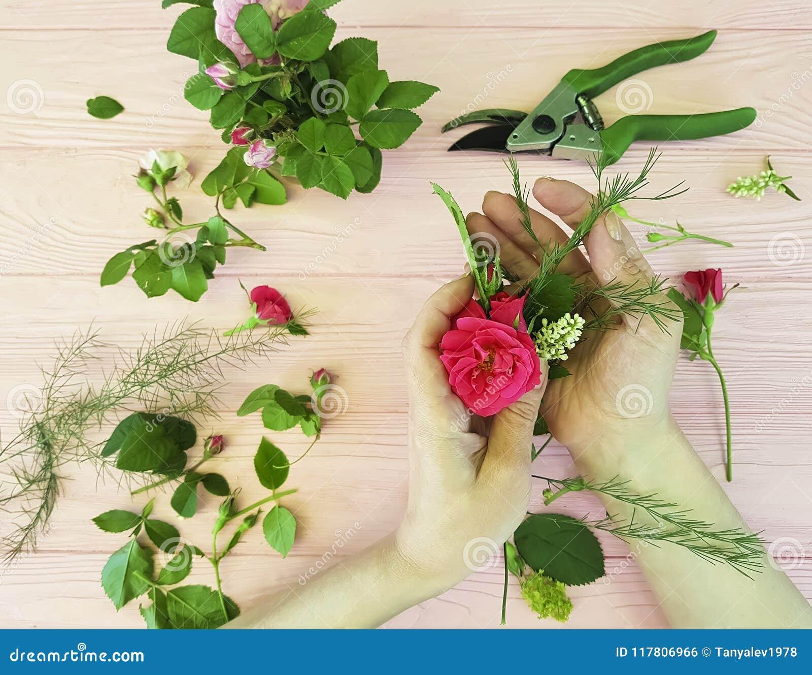递卖花人花装饰看法从剪刀工作区专家上