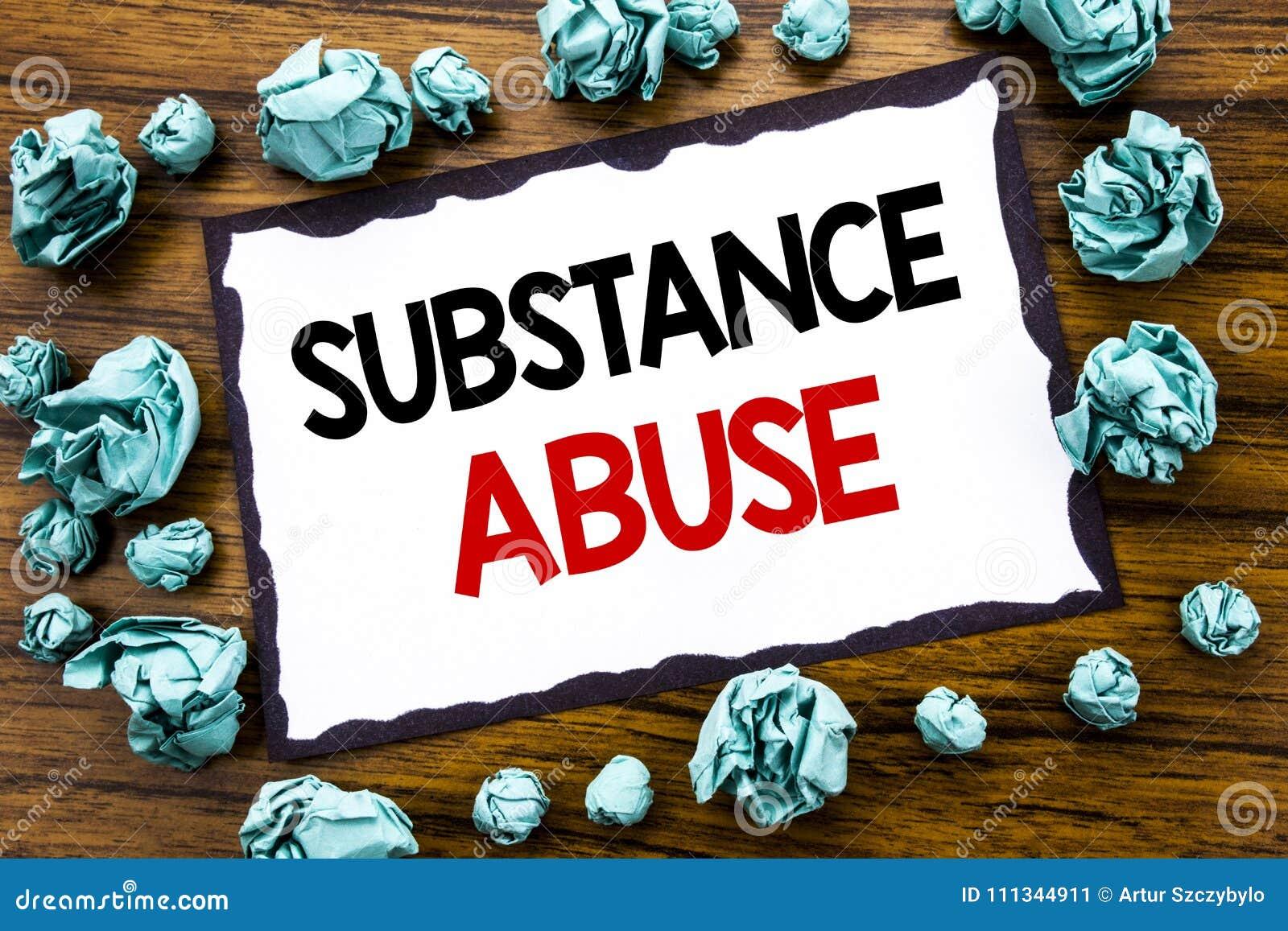 递文字文本显示滥用毒品的说明启发 在稠粘的笔记写的健康医疗药物的企业概念pap