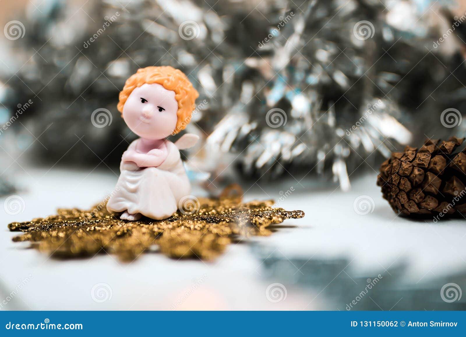 逗人喜爱的圣诞节天使和冷杉骗局 美好的新年构成