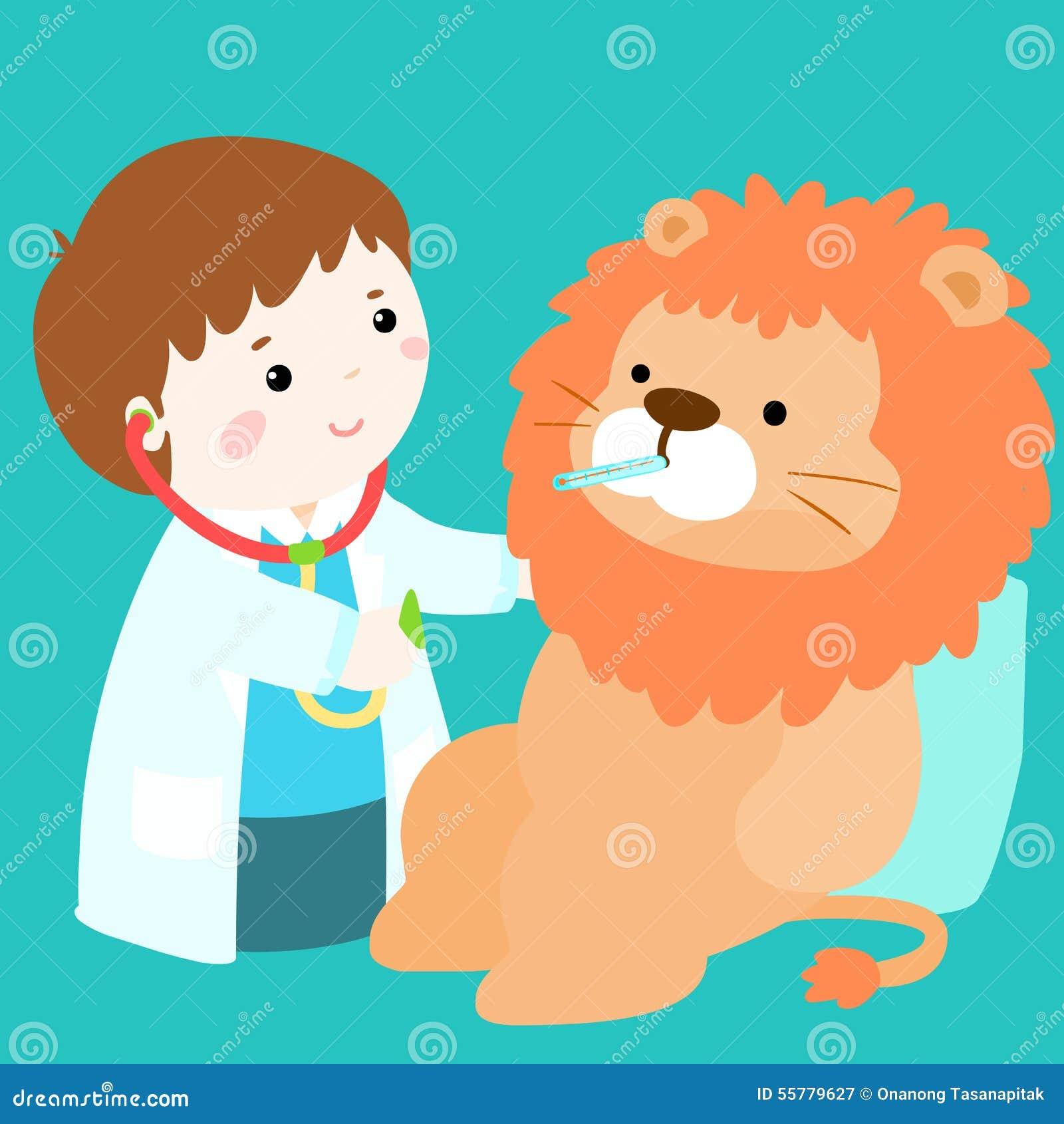 逗人喜爱的小男孩愈合狮子玩偶