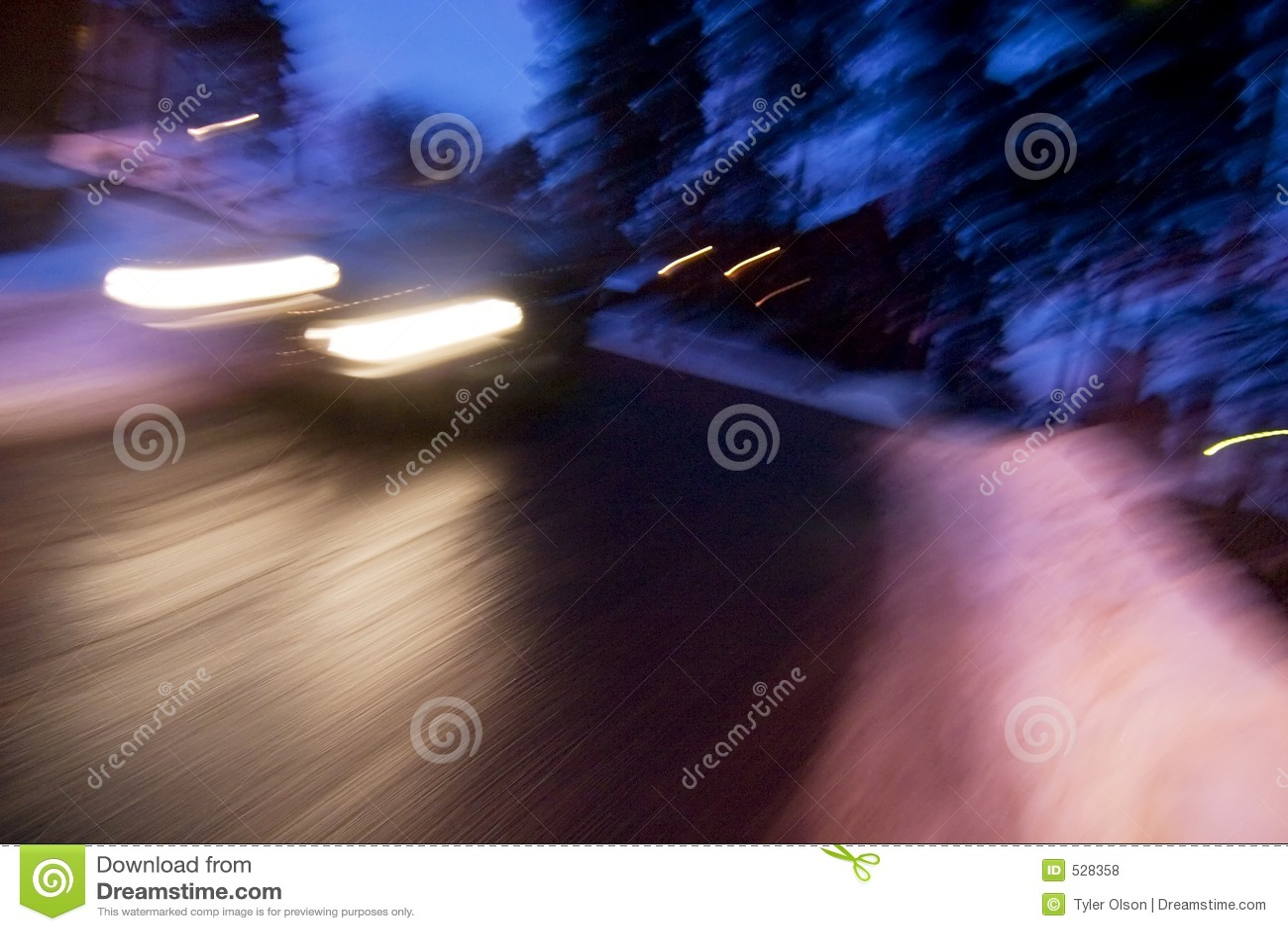 Download 速度冬天 库存照片. 图片 包括有 夜间, 驱动器, 快速, 超现实, 失败, 恐慌, 季节, 惊吓, 加速 - 528358