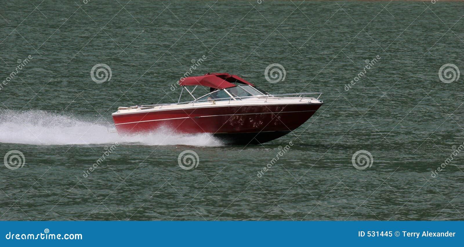 Download 速度 库存图片. 图片 包括有 夏天, 马达, 晒裂, 捕鱼, 小船, 节假日, 玻璃纤维, 滑雪, 渔夫, 休闲 - 531445