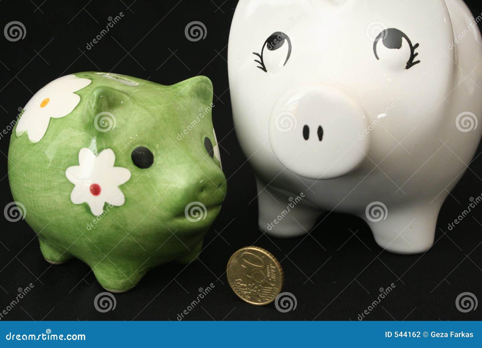 Download 配件箱猪安全二 库存照片. 图片 包括有 投反对票, 货币, 现金, 满意度, 安全, 愉快, 硬币, 储蓄 - 544162