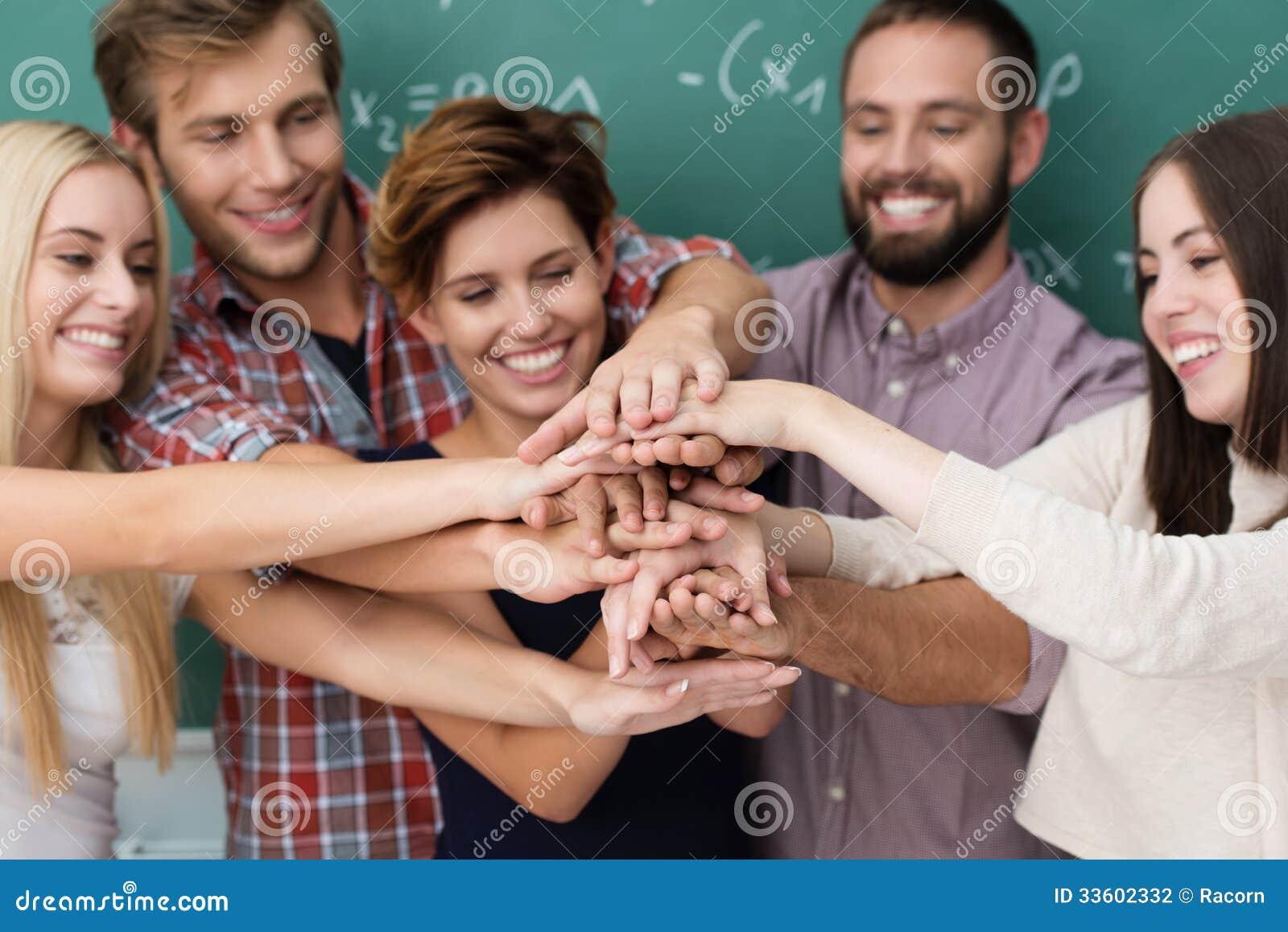 配合和合作在学生中