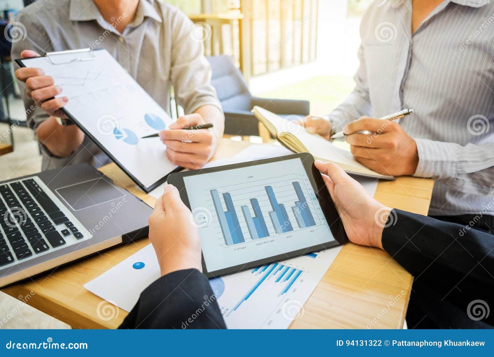 配合过程,企业显示队的同事当前和