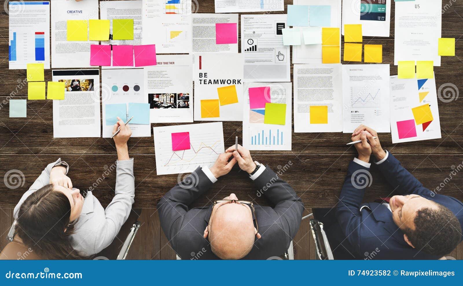 配合队会议企业激发灵感概念