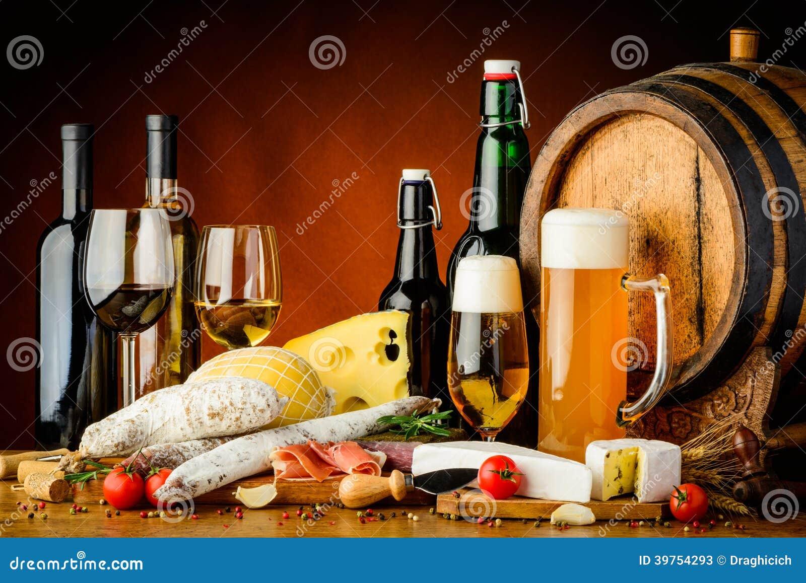 酒、啤酒和食物