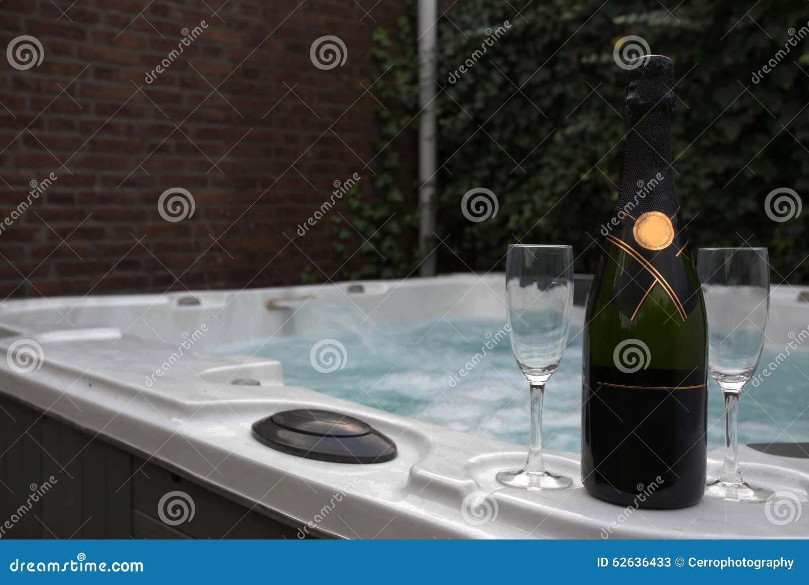 酒和极可意浴缸