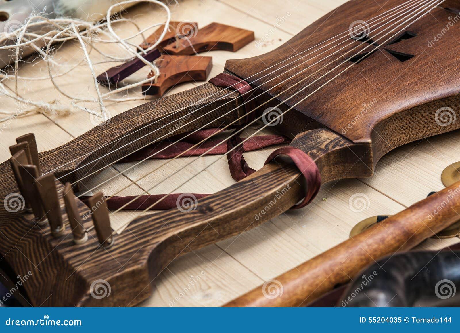 里拉琴-古老乐器的特写镜头视图.图片