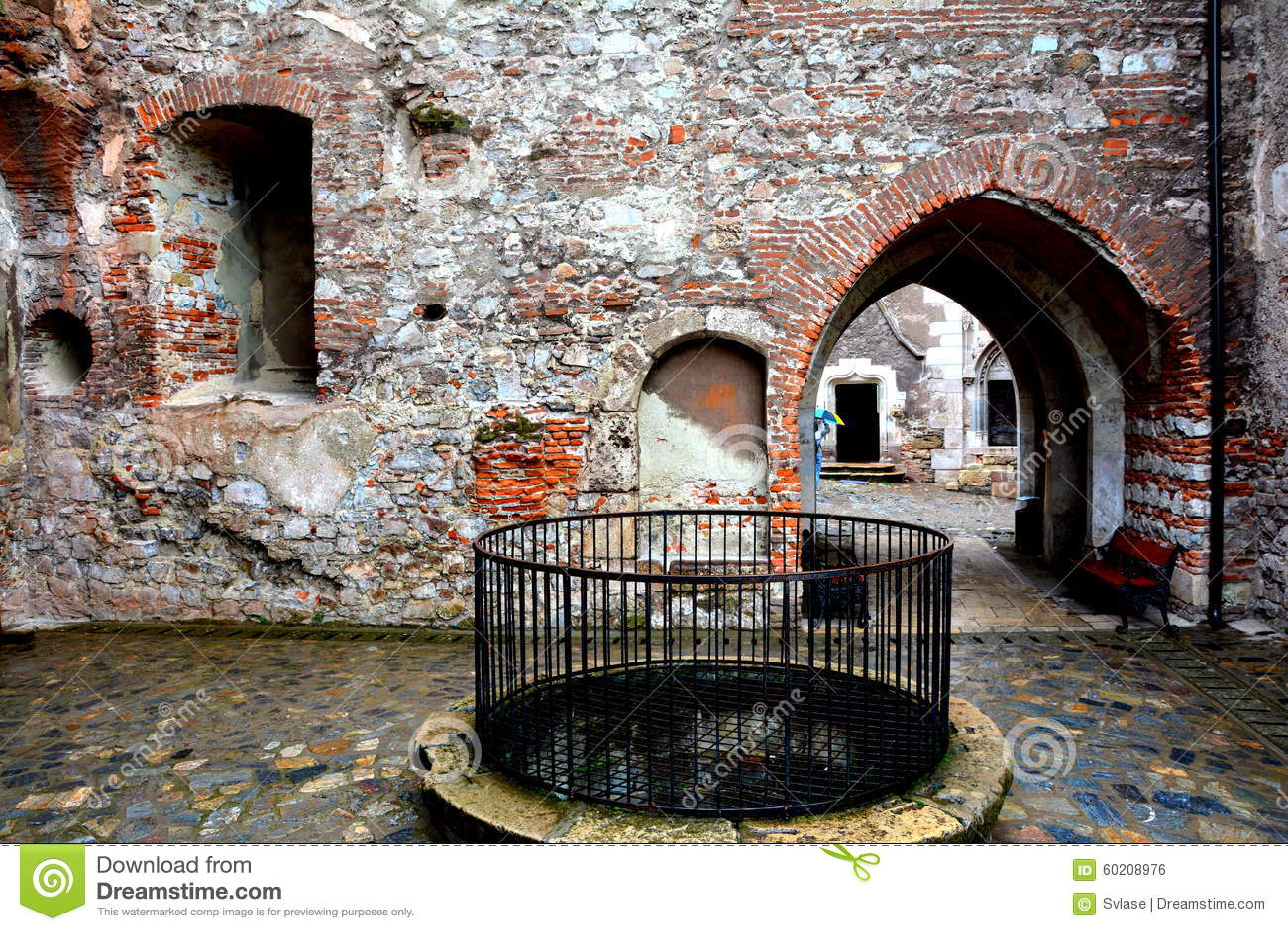 里面胡内多阿拉城堡,称Corvin城堡在Transilvania